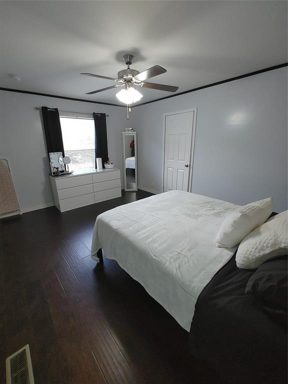 929 Indian Creek  Drive, Granbury, Texas 76048 - acquisto real estate best highland park realtor amy gasperini fast real estate service