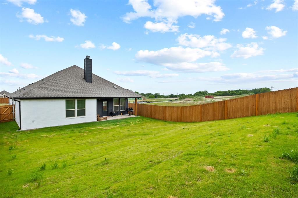 1224 Big Sky  Drive, Weatherford, Texas 76086 - acquisto real estate best negotiating realtor linda miller declutter realtor