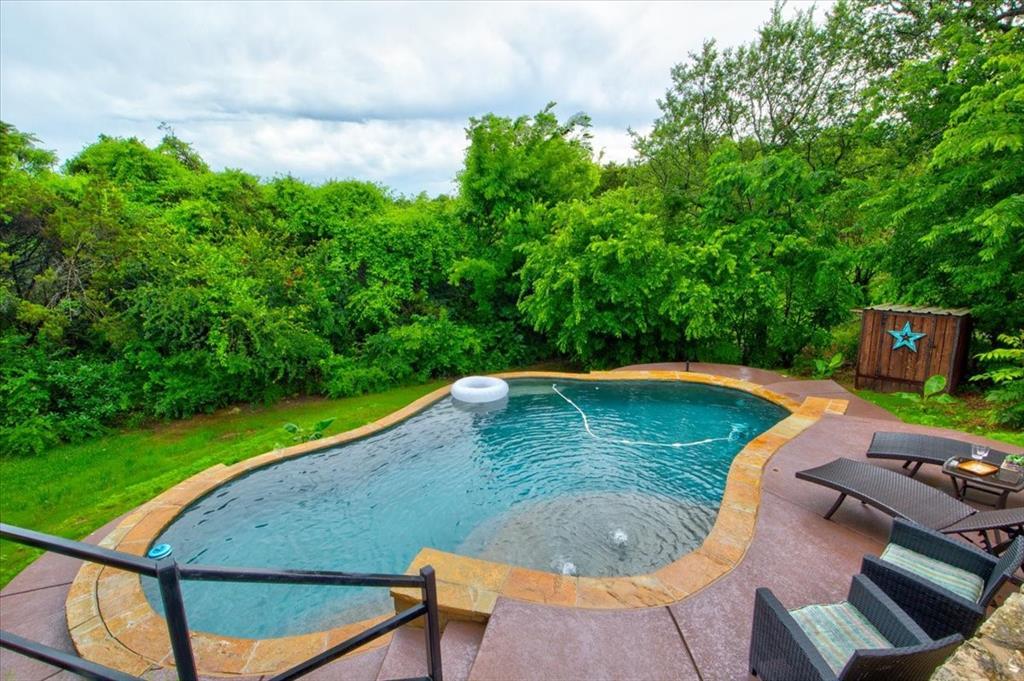 4315 Fairway  Drive, Granbury, Texas 76049 - acquisto real estate best luxury home specialist shana acquisto
