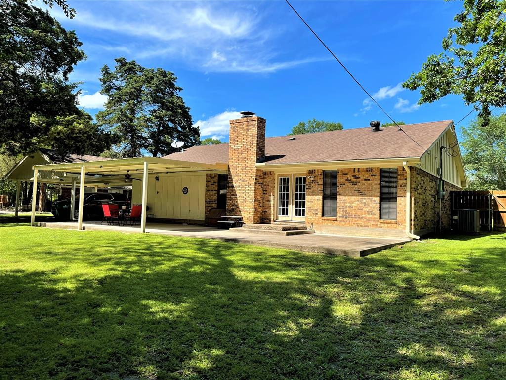 563 Ferndale  Lane, Fairfield, Texas 75840 - acquisto real estaet best boutique real estate firm in texas for high net worth sellers