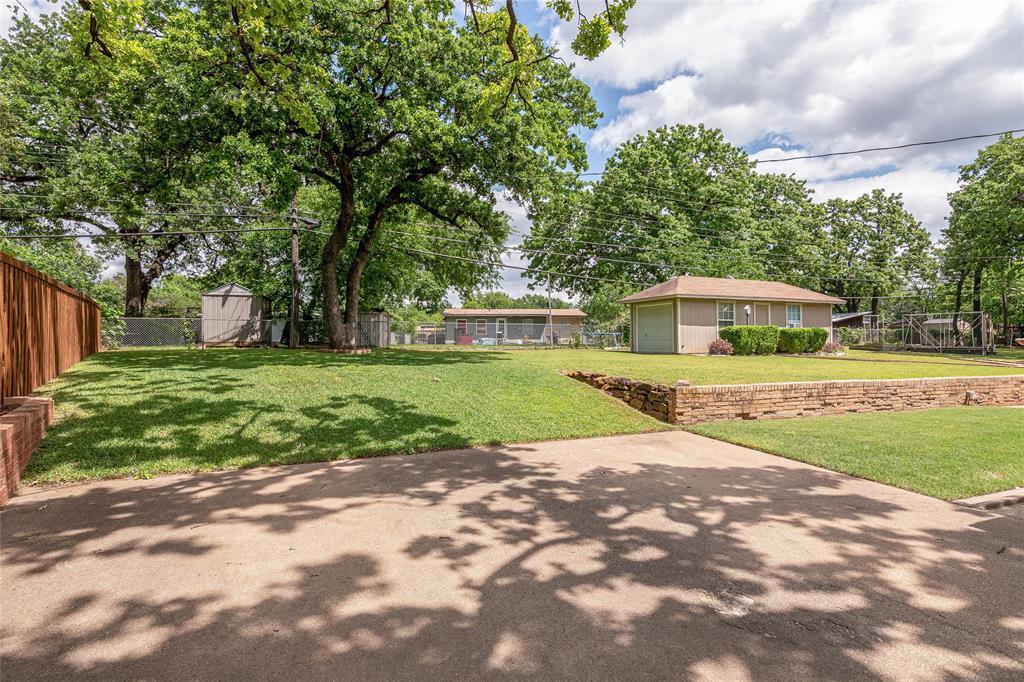 22 Shadowbrook  Lane, Hurst, Texas 76053 - acquisto real estate best negotiating realtor linda miller declutter realtor