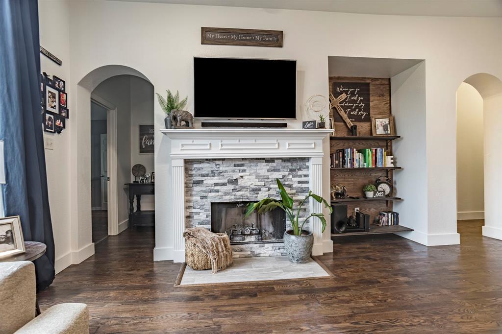 7901 Songbird  Lane, Fort Worth, Texas 76123 - acquisto real estate best celina realtor logan lawrence best dressed realtor