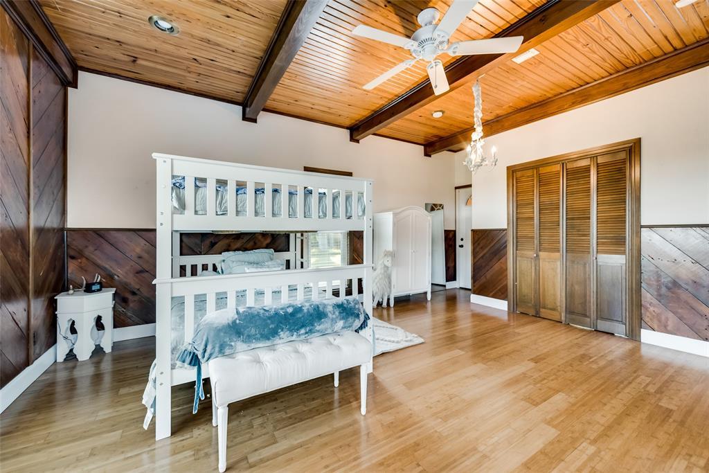 3070 County Road 136  Whitesboro, Texas 76273 - acquisto real estate best negotiating realtor linda miller declutter realtor