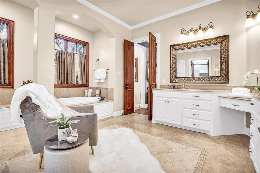 4649 Saint Laurent  Court, Fort Worth, Texas 76126 - acquisto real estate best frisco real estate agent amy gasperini panther creek realtor