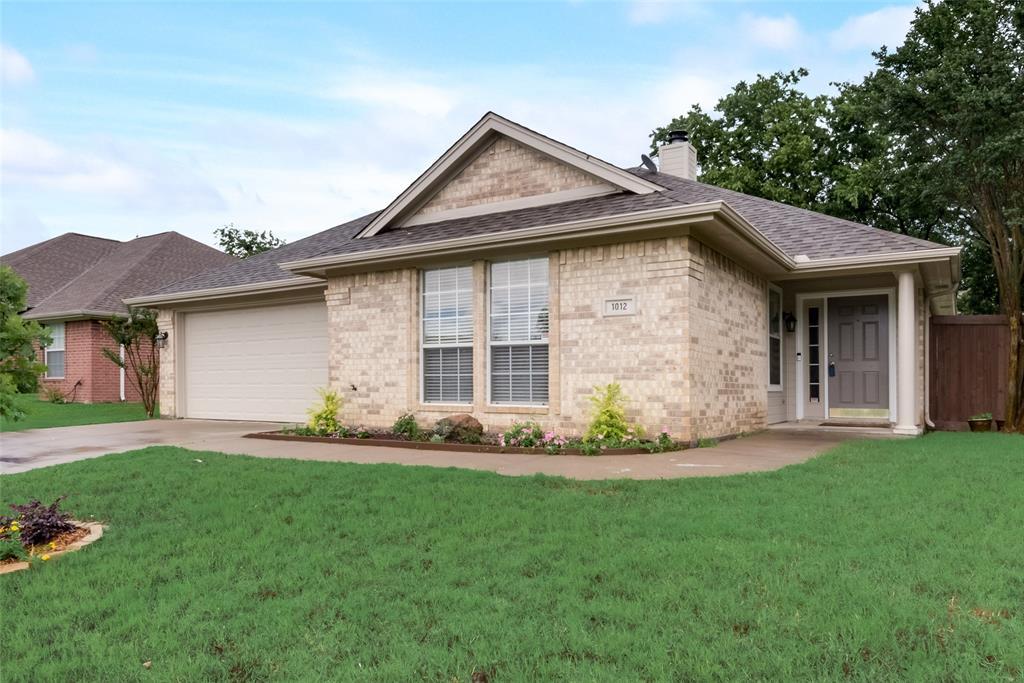1012 Heberle  Drive, Burleson, Texas 76028 - acquisto real estate best allen realtor kim miller hunters creek expert