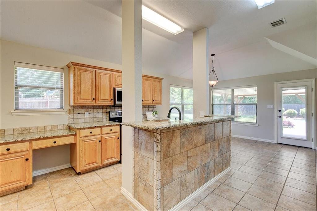 4407 Cluster Oak  Court, Granbury, Texas 76049 - acquisto real estate best realtor westlake susan cancemi kind realtor of the year