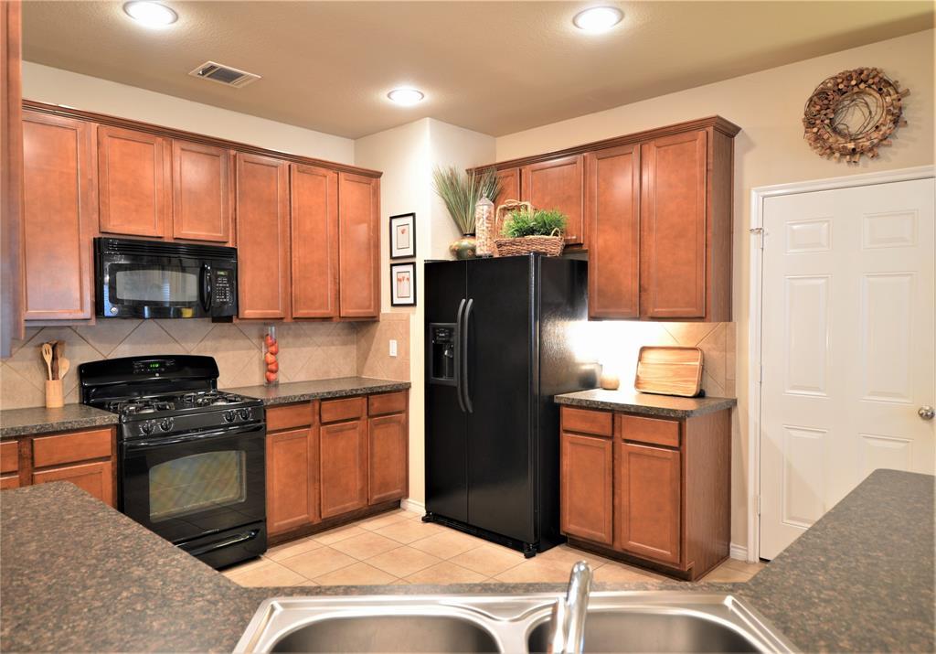 917 Appalachian  Lane, Savannah, Texas 76227 - acquisto real estate best highland park realtor amy gasperini fast real estate service