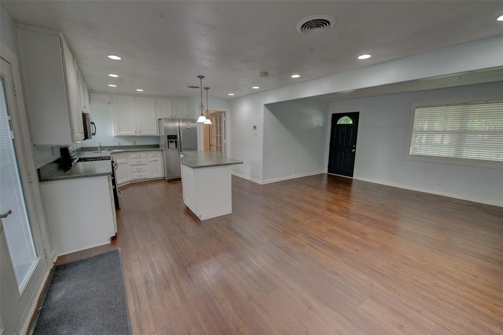 1108 Valentine  Street, Hurst, Texas 76053 - acquisto real estate best the colony realtor linda miller the bridges real estate