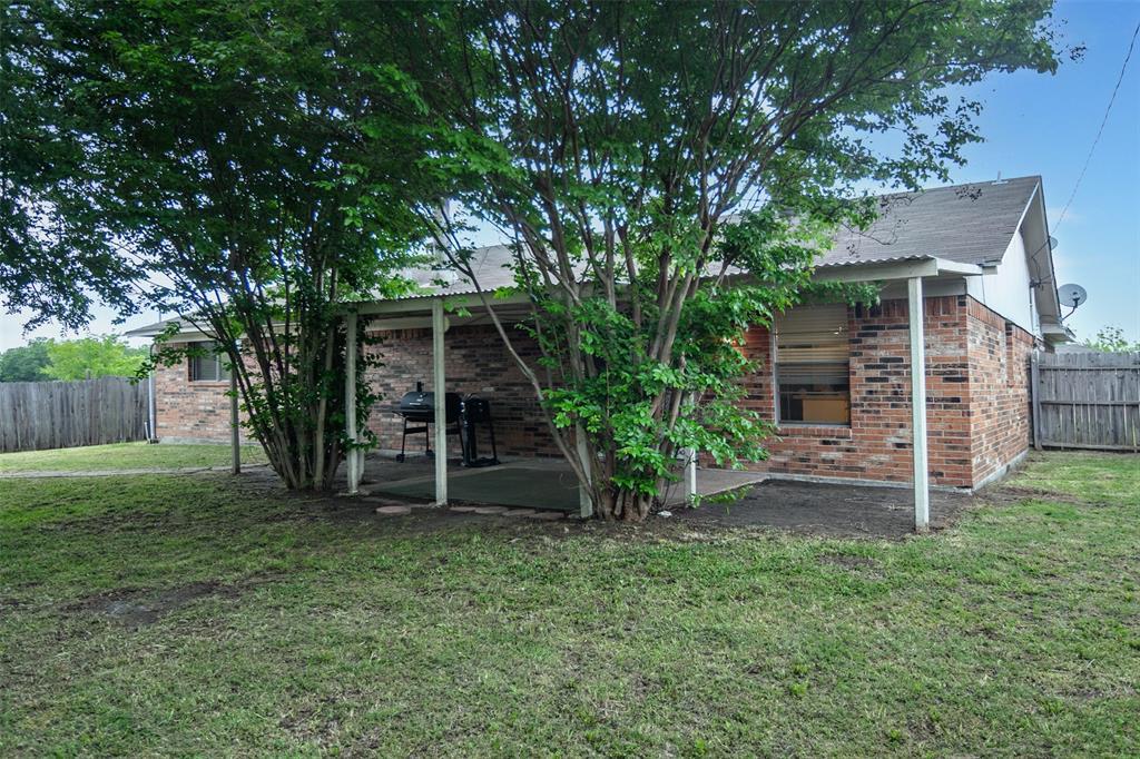 1737 Northwood  Boulevard, Corsicana, Texas 75110 - acquisto real estate best photo company frisco 3d listings