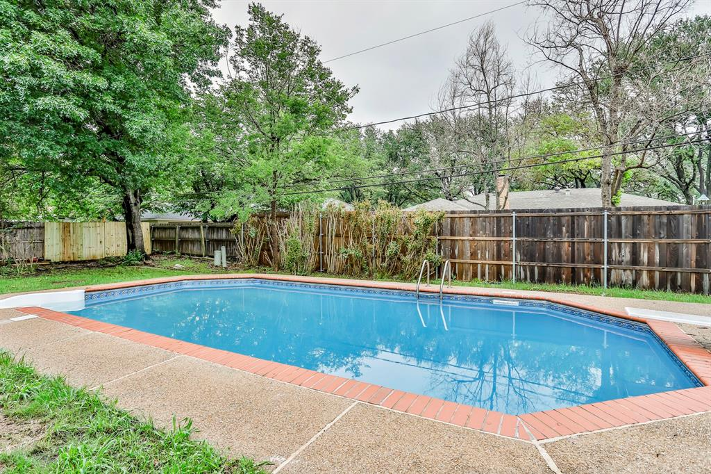 6801 Kingswood  Drive, Fort Worth, Texas 76133 - acquisto real estate best frisco real estate agent amy gasperini panther creek realtor