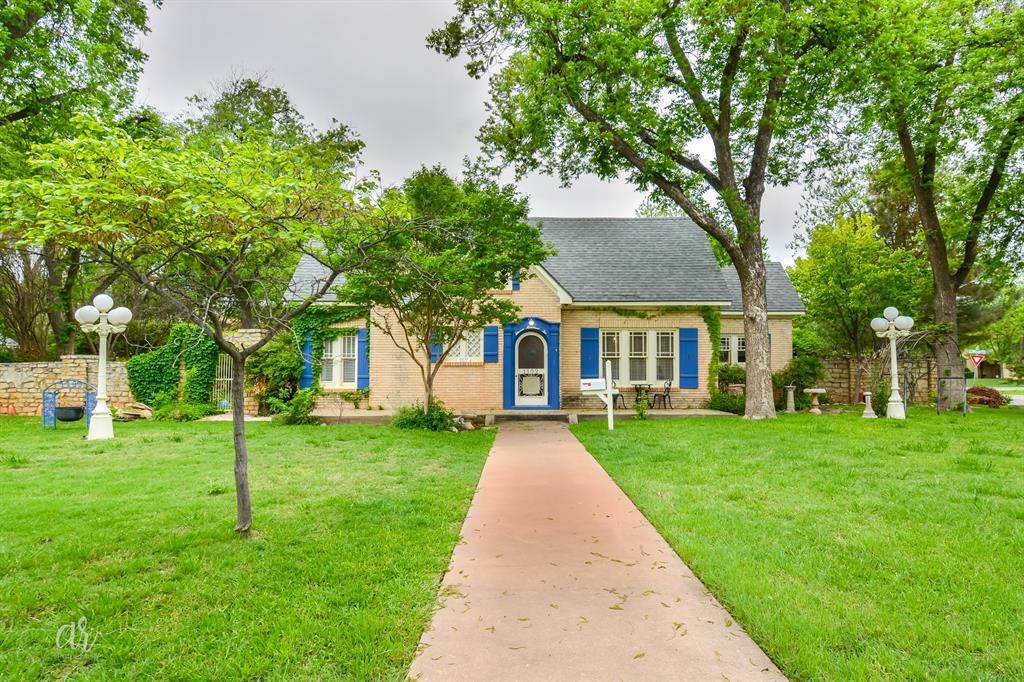1102 Hollis  Drive, Abilene, Texas 79605 - Acquisto Real Estate best plano realtor mike Shepherd home owners association expert