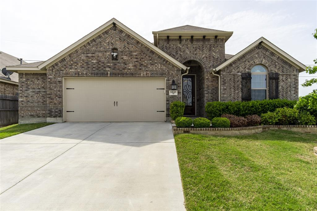 5941 Black Bass  Drive, Fort Worth, Texas 76179 - Acquisto Real Estate best plano realtor mike Shepherd home owners association expert