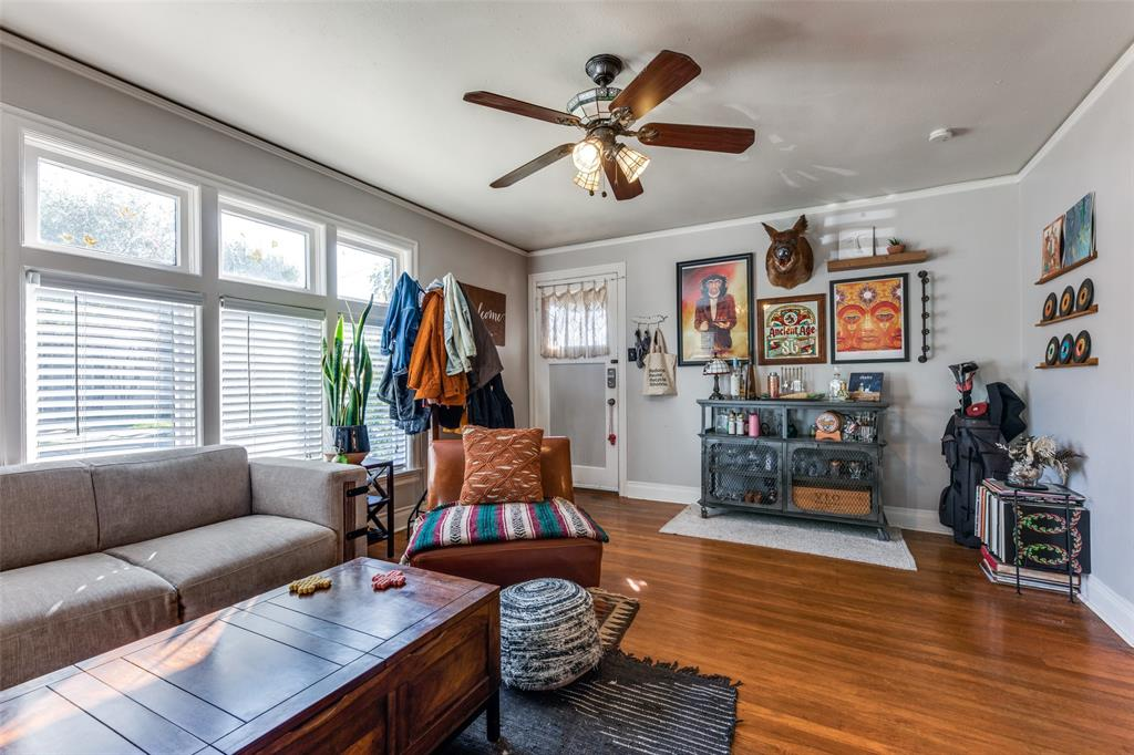 2419 Grigsby  Avenue, Dallas, Texas 75204 - acquisto real estate best prosper realtor susan cancemi windfarms realtor