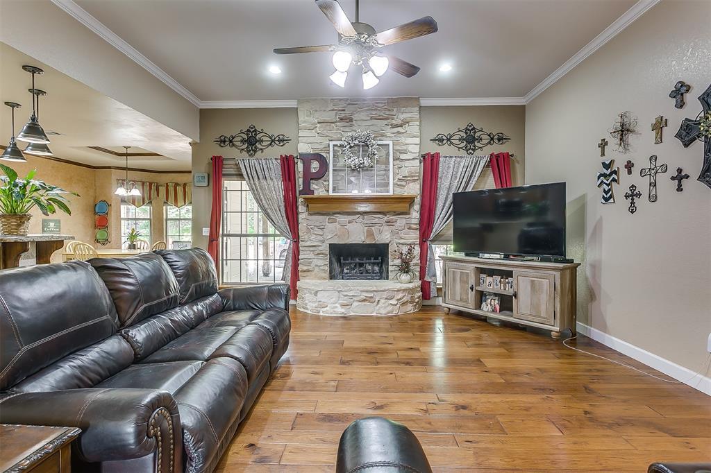 532 Forest Edge  Street, Burleson, Texas 76028 - acquisto real estate best luxury buyers agent in texas shana acquisto inheritance realtor