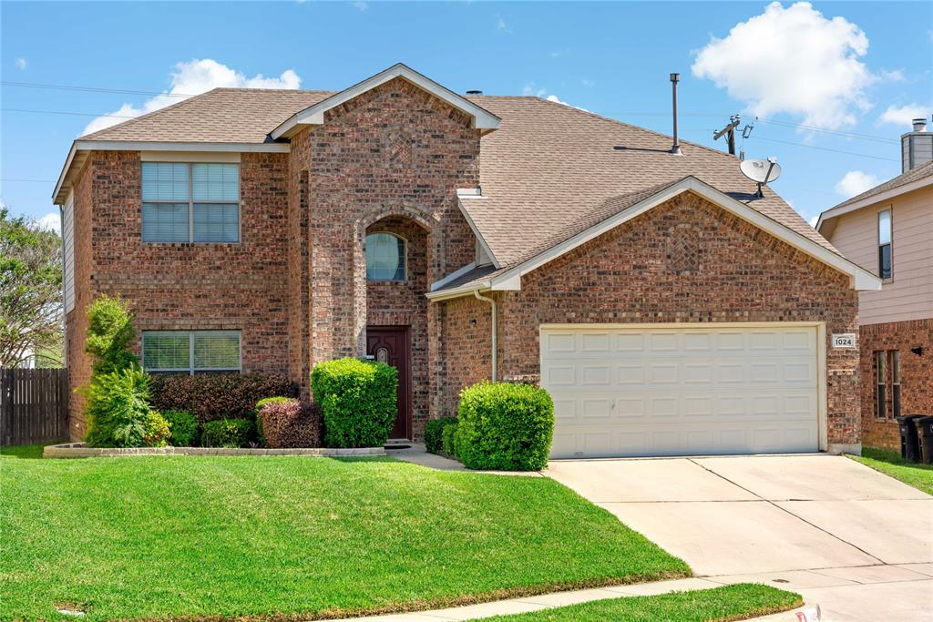 1024 Breeders Cup  Drive, Fort Worth, Texas 76179 - Acquisto Real Estate best plano realtor mike Shepherd home owners association expert