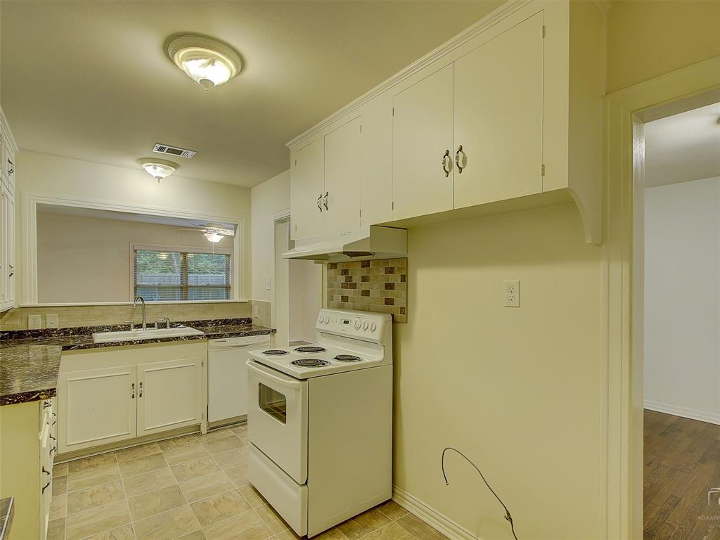 1009 Avenue F  Avenue, Garland, Texas 75040 - acquisto real estate best new home sales realtor linda miller executor real estate