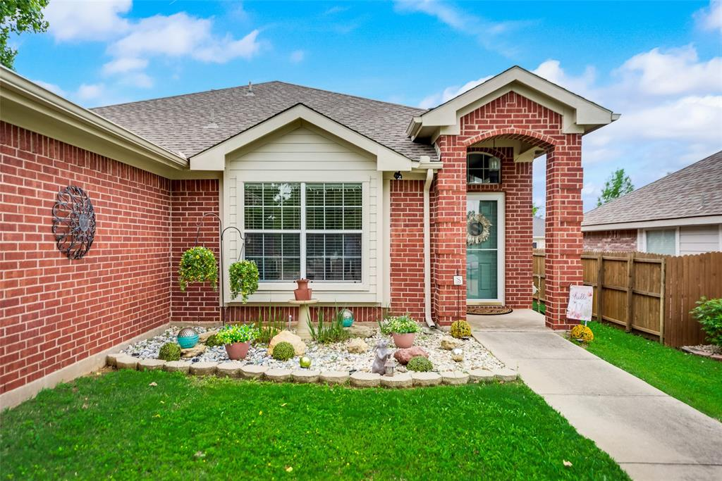2612 Hilcroft  Avenue, Denton, Texas 76210 - Acquisto Real Estate best plano realtor mike Shepherd home owners association expert
