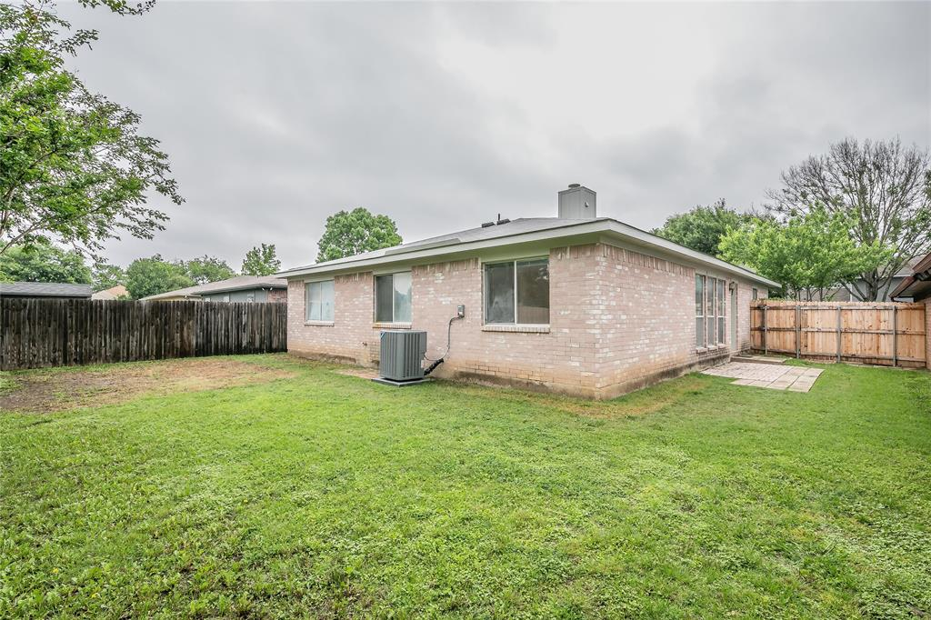 1605 Dorchester  Street, Fort Worth, Texas 76134 - acquisto real estate best plano real estate agent mike shepherd