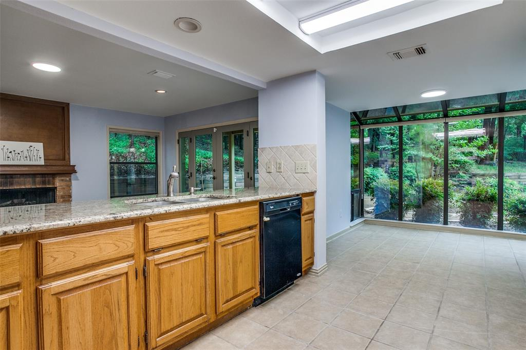 2403 Winding Hollow  Lane, Arlington, Texas 76006 - acquisto real estate best real estate company to work for