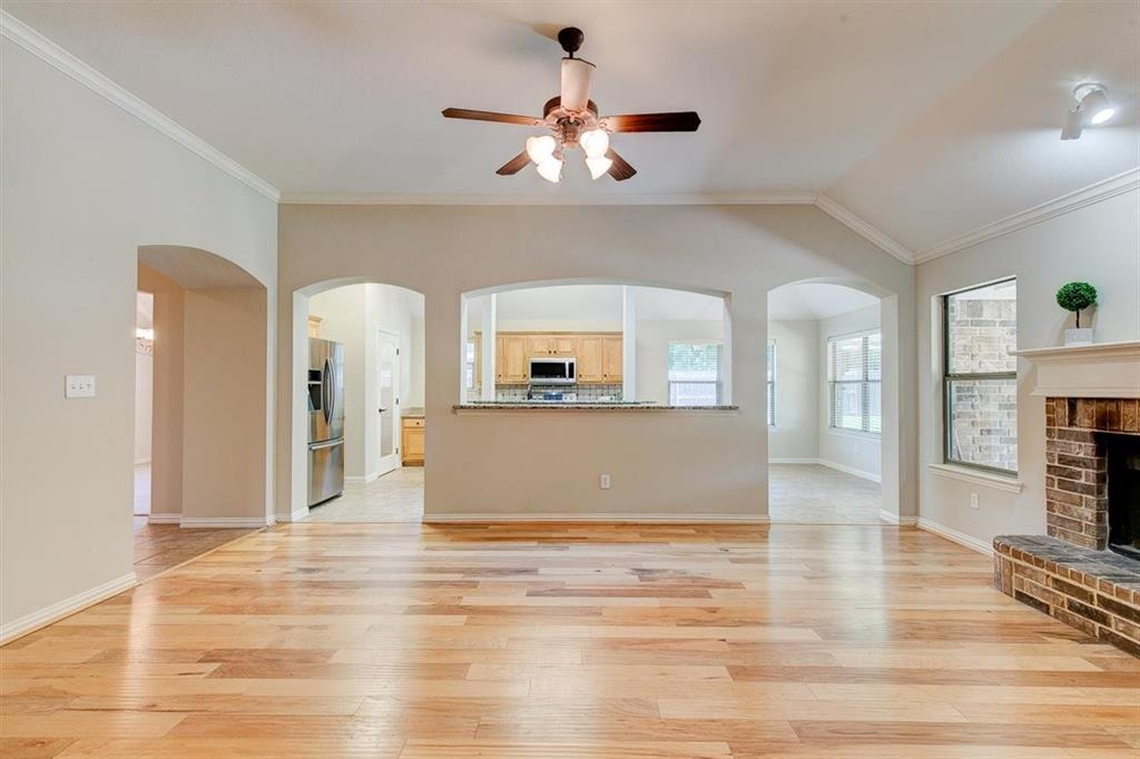 4407 Cluster Oak  Court, Granbury, Texas 76049 - acquisto real estate best listing agent in the nation shana acquisto estate realtor