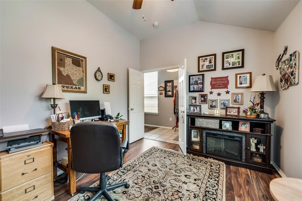 2612 Hilcroft  Avenue, Denton, Texas 76210 - acquisto real estate best luxury buyers agent in texas shana acquisto inheritance realtor