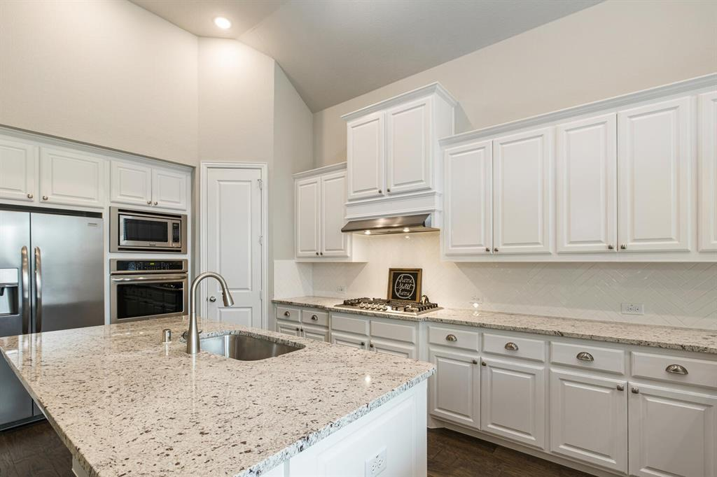 3916 Ironbark  Way, McKinney, Texas 75071 - acquisto real estate best real estate company to work for