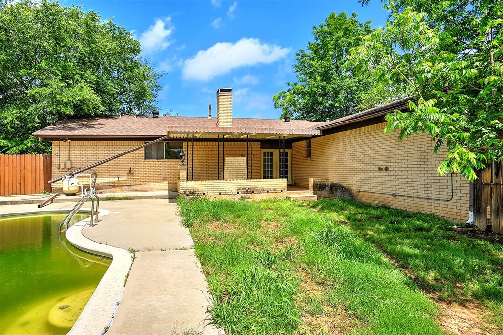 1713 Ridgeway  Drive, Sherman, Texas 75092 - acquisto real estate best park cities realtor kim miller best staging agent
