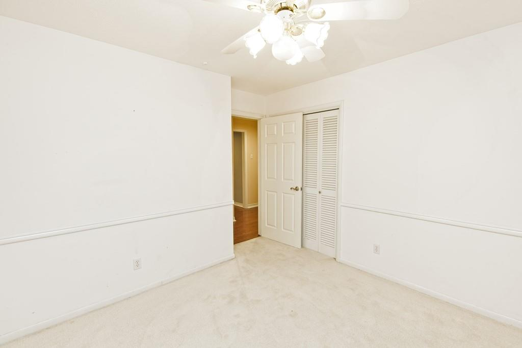 8635 Shagrock  Lane, Dallas, Texas 75238 - acquisto real estate best negotiating realtor linda miller declutter realtor