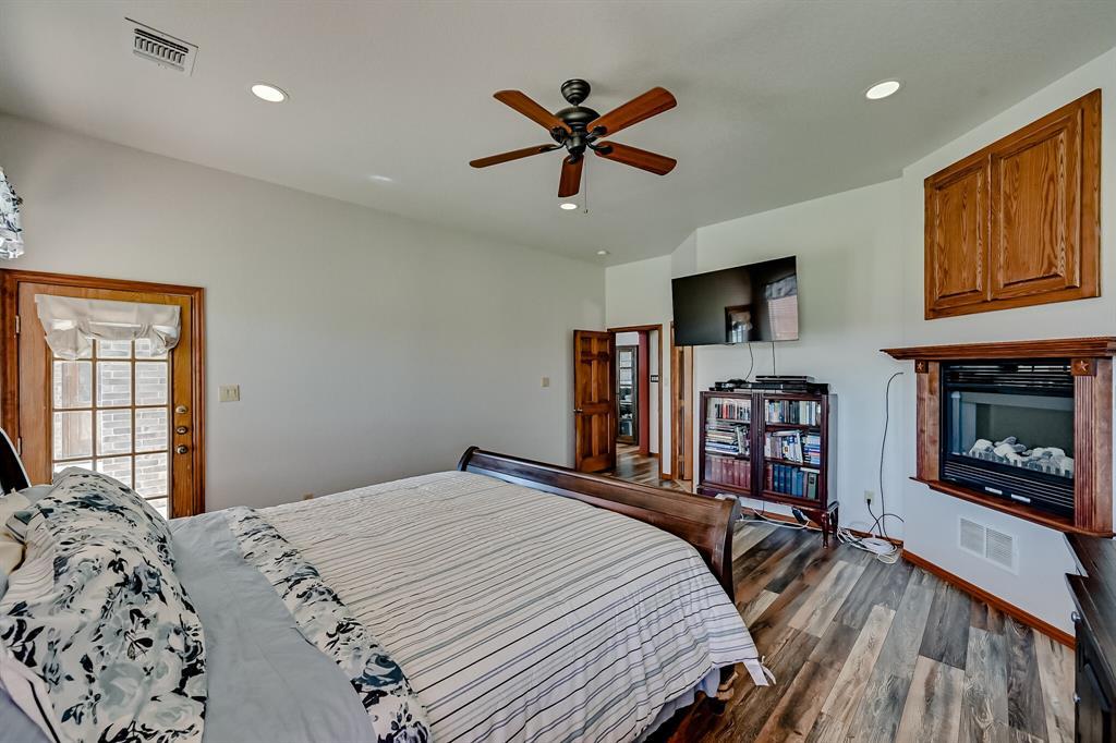 7431 Drury Cross  Road, Burleson, Texas 76028 - acquisto real estate best luxury buyers agent in texas shana acquisto inheritance realtor