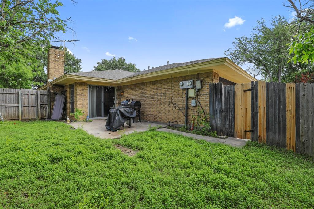 2716 Townbluff  Drive, Plano, Texas 75075 - acquisto real estate best negotiating realtor linda miller declutter realtor