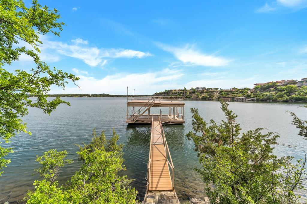 1056 Bluff Creek  Drive, Possum Kingdom Lake, Texas 76475 - acquisto real estate best plano real estate agent mike shepherd