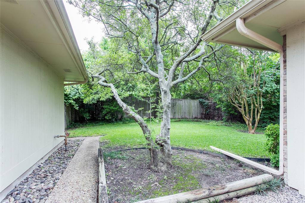 8046 Moss Meadows  Drive, Dallas, Texas 75231 - acquisto real estate best realtor westlake susan cancemi kind realtor of the year