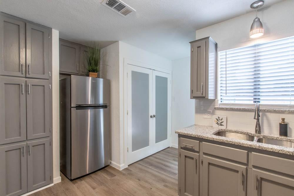 807 Windcrest  Drive, Keller, Texas 76248 - acquisto real estate best real estate company to work for