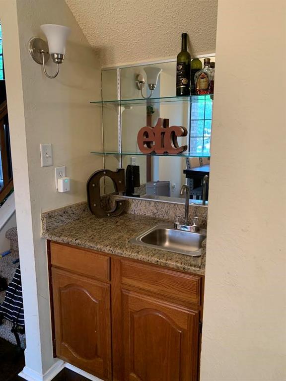 5307 Barberry  Drive, Arlington, Texas 76018 - acquisto real estate best highland park realtor amy gasperini fast real estate service