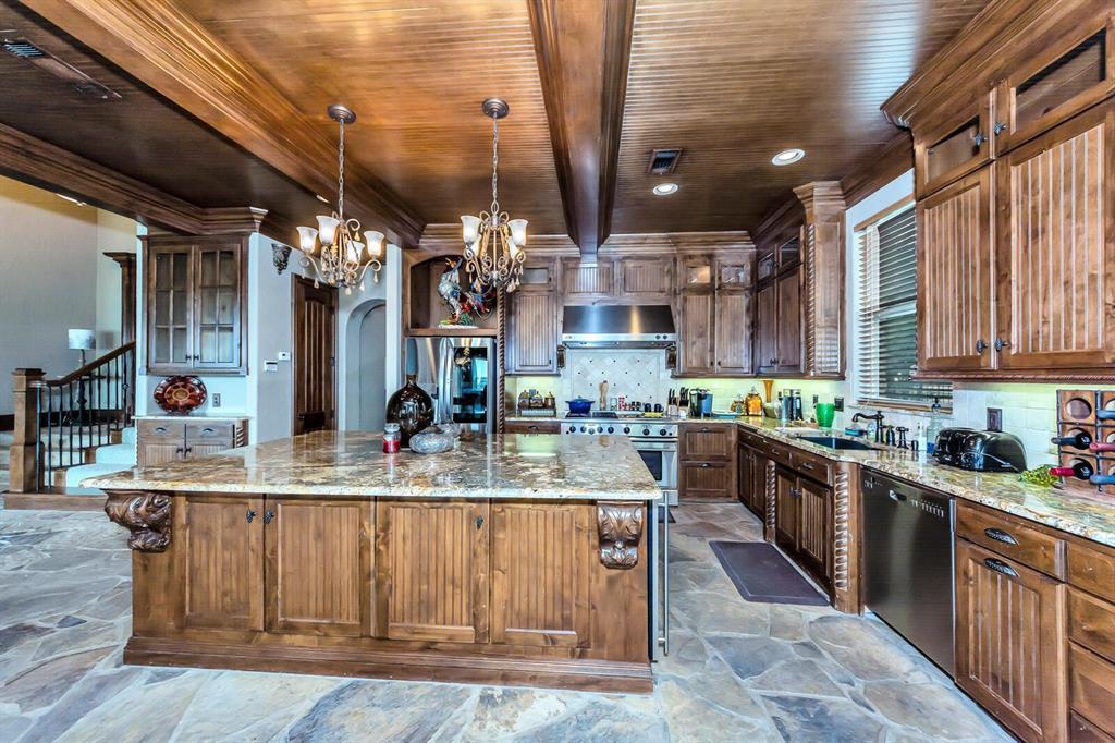 1056 Bluff Creek  Drive, Possum Kingdom Lake, Texas 76475 - acquisto real estate best luxury buyers agent in texas shana acquisto inheritance realtor