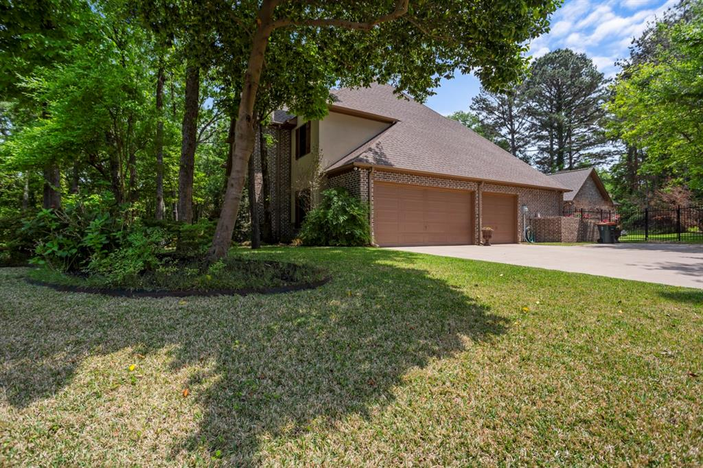 1910 Stonegate  Place, Tyler, Texas 75703 -