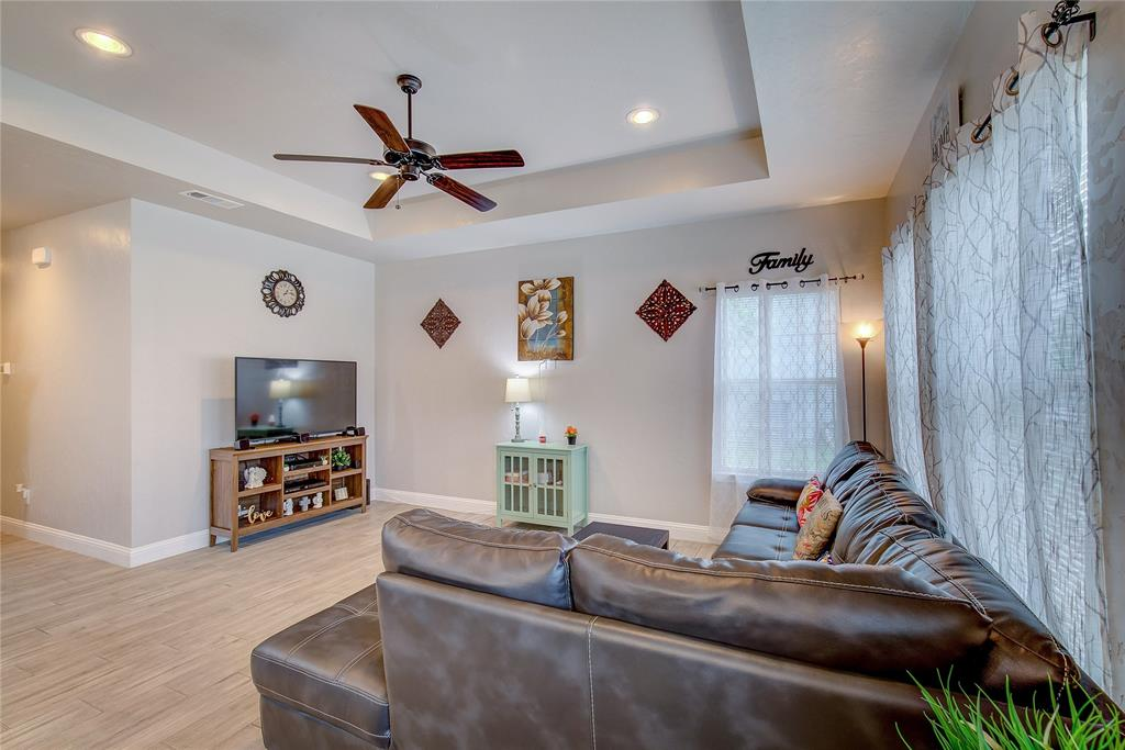 4904 Church  Street, Greenville, Texas 75401 - acquisto real estate best the colony realtor linda miller the bridges real estate