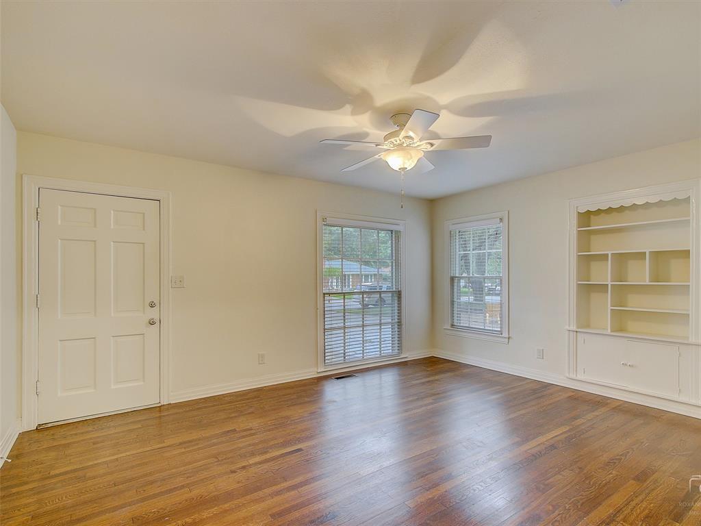1009 Avenue F  Avenue, Garland, Texas 75040 - acquisto real estate best the colony realtor linda miller the bridges real estate