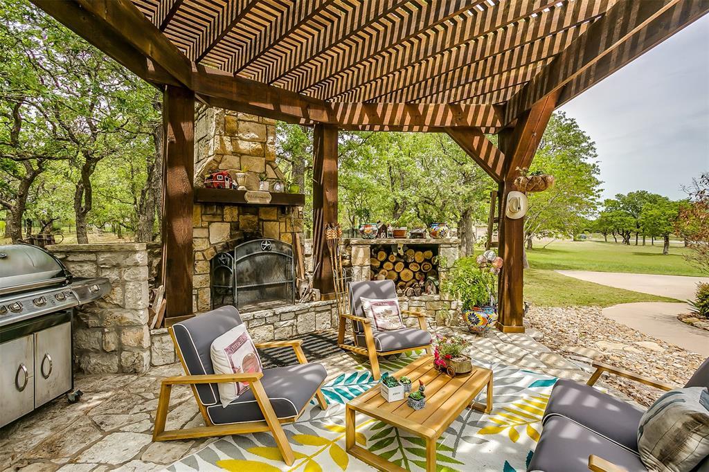 113 Oak Bend  Trail, Lipan, Texas 76462 -