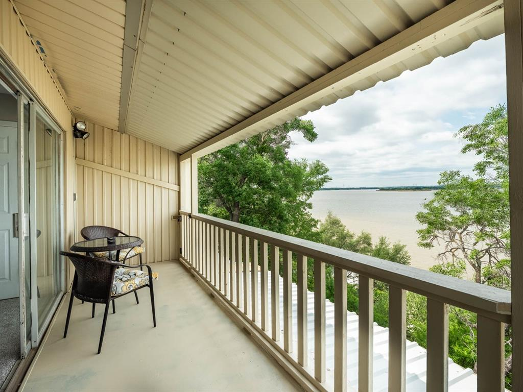 5615 Thunderbird  Court, De Cordova, Texas 76049 - Acquisto Real Estate best plano realtor mike Shepherd home owners association expert