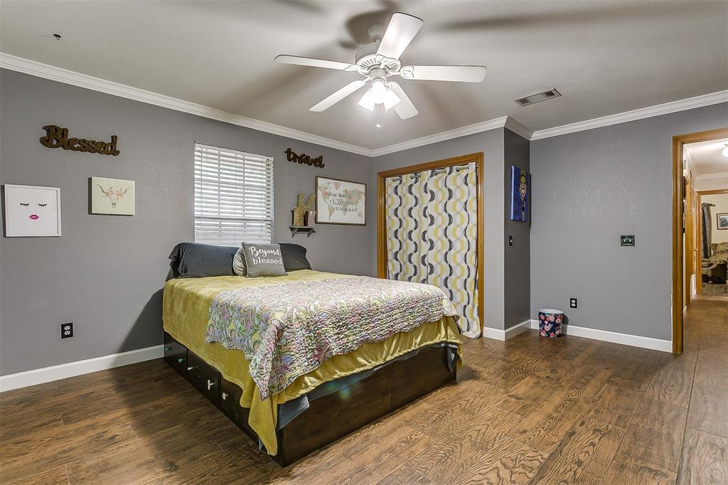 532 Forest Edge  Street, Burleson, Texas 76028 - acquisto real estate best park cities realtor kim miller best staging agent