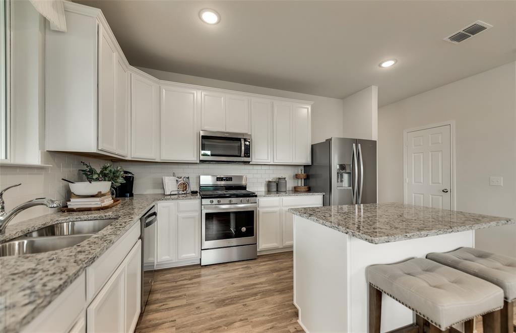 941 Shire  Avenue, Haslet, Texas 76052 - acquisto real estate best prosper realtor susan cancemi windfarms realtor