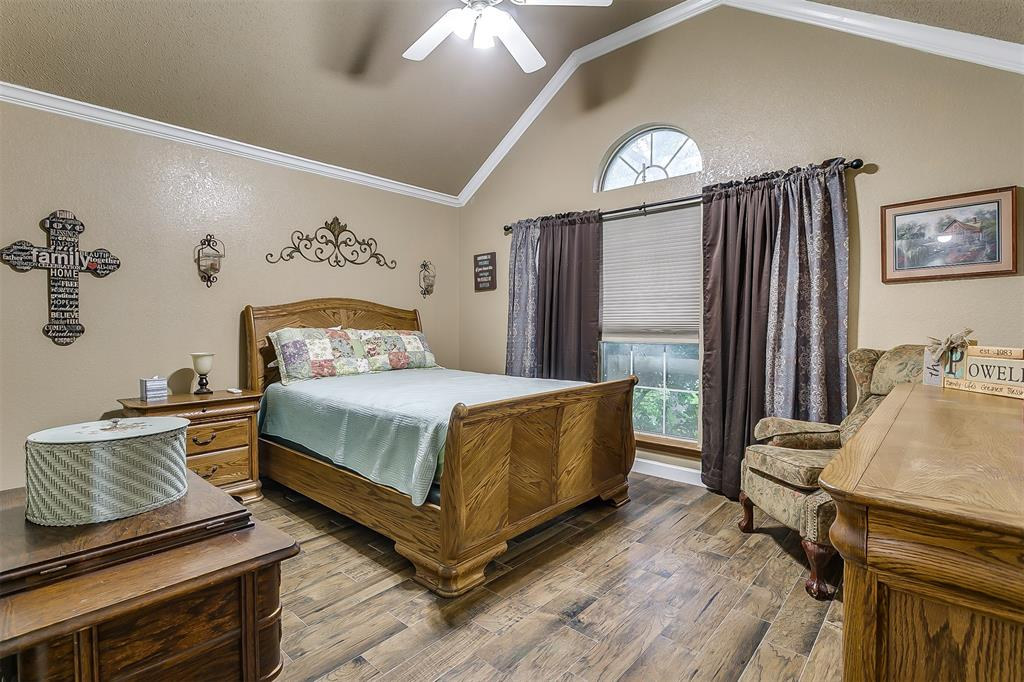 532 Forest Edge  Street, Burleson, Texas 76028 - acquisto real estate best frisco real estate agent amy gasperini panther creek realtor