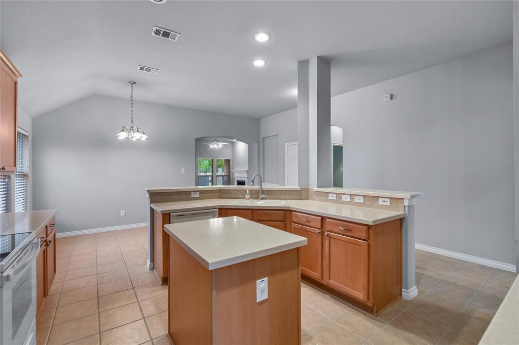3909 Kenny  Court, Fort Worth, Texas 76244 - acquisto real estate best real estate company to work for