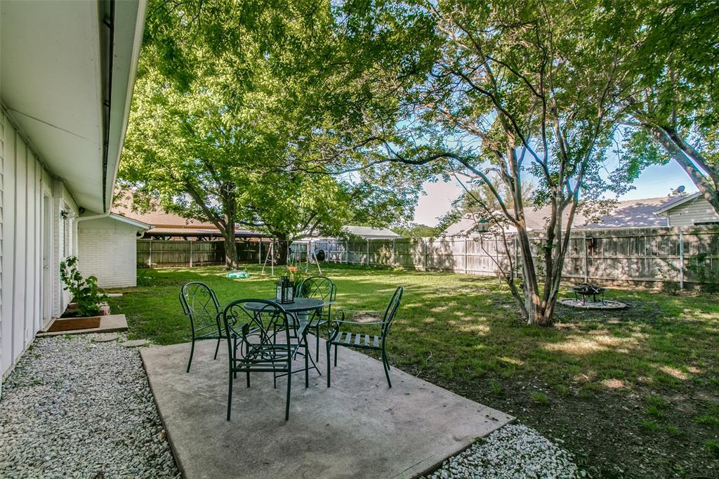 205 Redbud  Trail, Shady Shores, Texas 76208 - acquisto real estate best realtor foreclosure real estate mike shepeherd walnut grove realtor