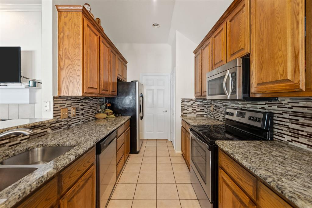 925 Bessie  Street, Fort Worth, Texas 76104 - acquisto real estate best real estate company in frisco texas real estate showings