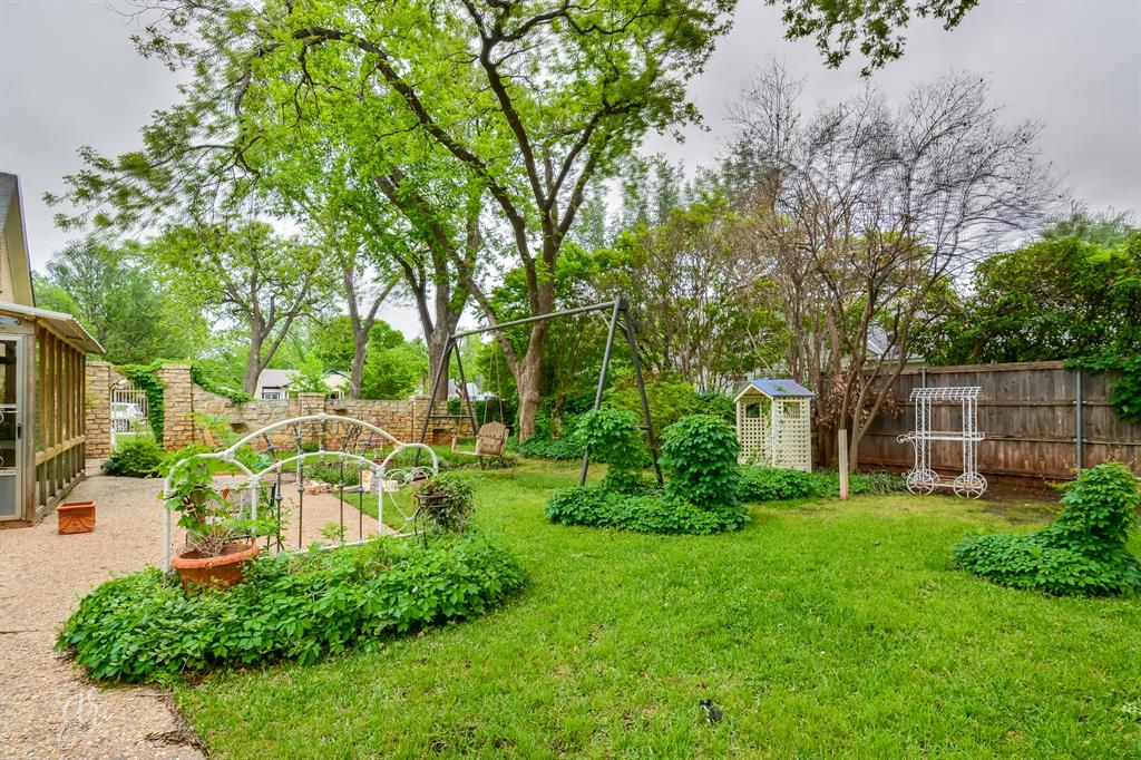 1102 Hollis  Drive, Abilene, Texas 79605 - acquisto real estate best frisco real estate agent amy gasperini panther creek realtor