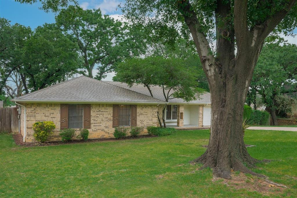 2919 Spring Oaks  Court, Bedford, Texas 76021 - acquisto real estate best park cities realtor kim miller best staging agent