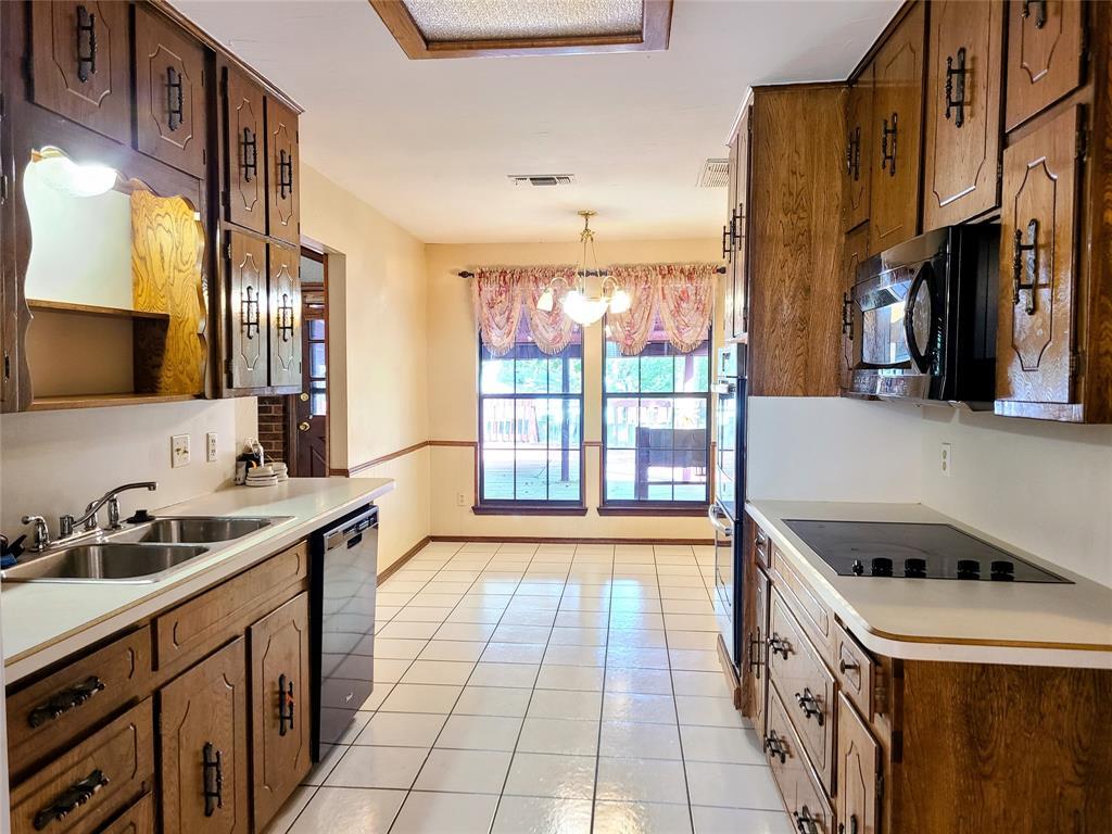 8117 Starnes  Road, North Richland Hills, Texas 76182 - acquisto real estate best celina realtor logan lawrence best dressed realtor