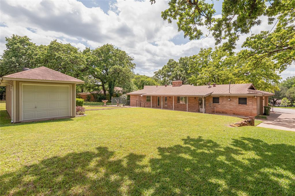 22 Shadowbrook  Lane, Hurst, Texas 76053 - acquisto real estate best plano real estate agent mike shepherd